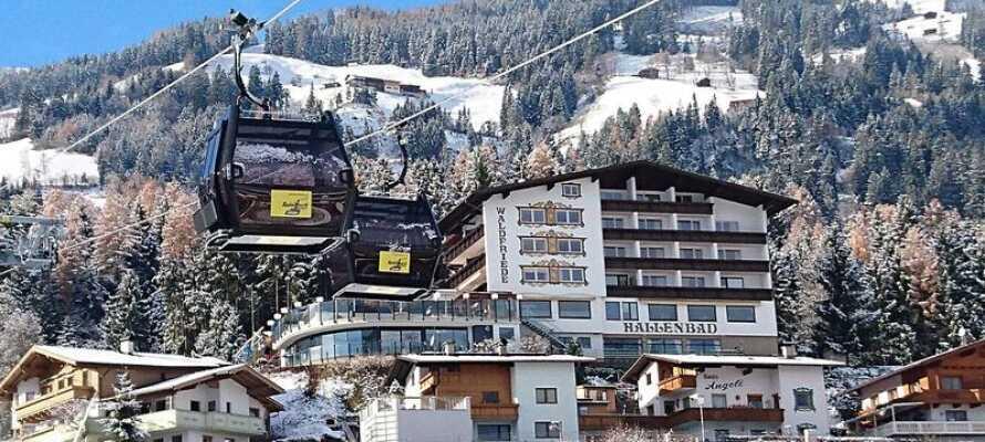 Hotellet ligger kun 5 min. gang fra Spieljochbanen, som hurtigt fører jer til det familievenlige skiresort
