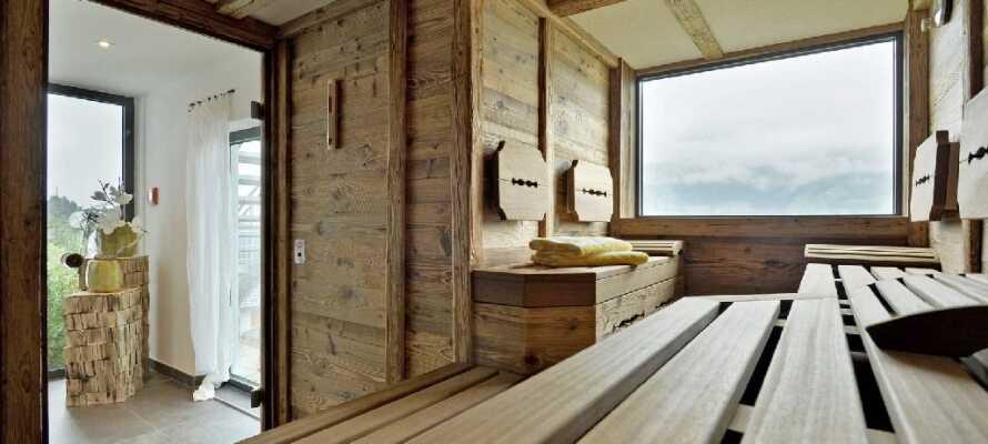 Slap af i hotellets wellnessafdeling med bl.a. sauna, pool, dampbad og relax-område med tebar.