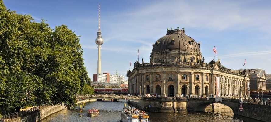 Vom Hotel aus erreichen Sie bequem und schnell die zahlreichen Attraktionen und Sehenswürdigkeiten, die Berlin zu bieten hat.