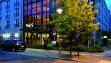 Victors's Residenz-Hotel Berlin har en rolig placering direkte ved Volkspark Friedrichschain, tæt på Berlins centrum