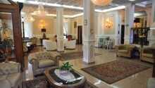 Hotel Savona har en elegant lobby med en hyggelig atmosfære