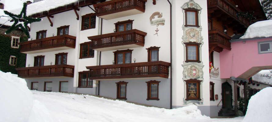 Hotellet ligger i smukke omgivelser med fantastiske muligheder for at stå på ski og  tage på vandreture i nærheden