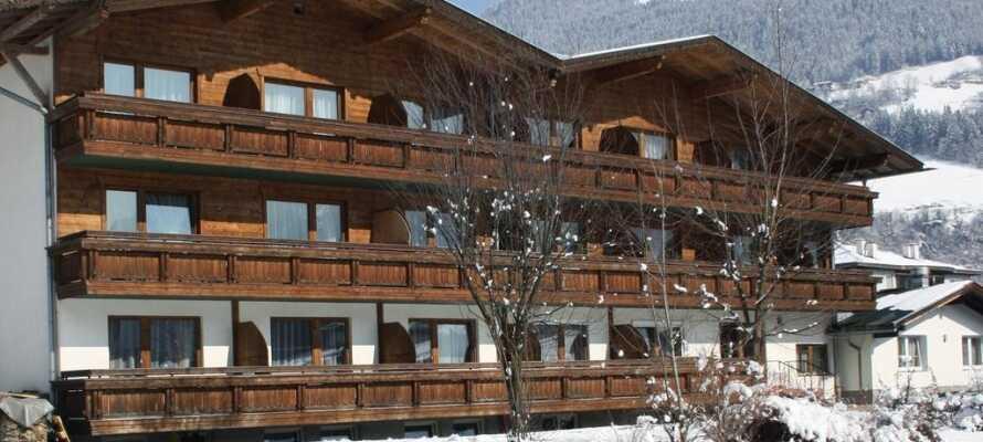Hotellet ligger i naturskønne omgivelser i de østrigske alper.