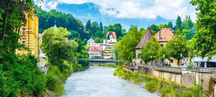 Besøg den smukke by Feldkirch som bl.a. byder på et flot slot og en velbevaret gammel bydel, som er meget charmerende.
