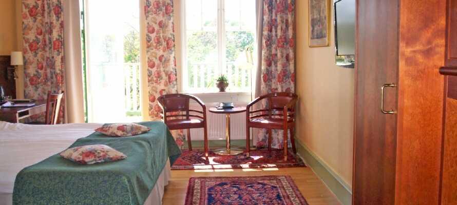 Samtliga rum har antingen utsikt över trädgården eller stadens hustak.