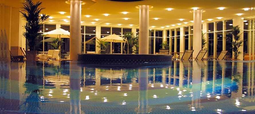 Hotellet har en 1.500 m² stor wellnessafdeling med bl.a. indendørs swimmingpool, sauna og japansk aromabad