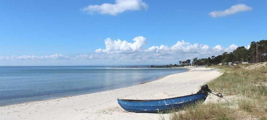 Stranden i Åhus är fantastisk och en samlingsplats för många människor i området.