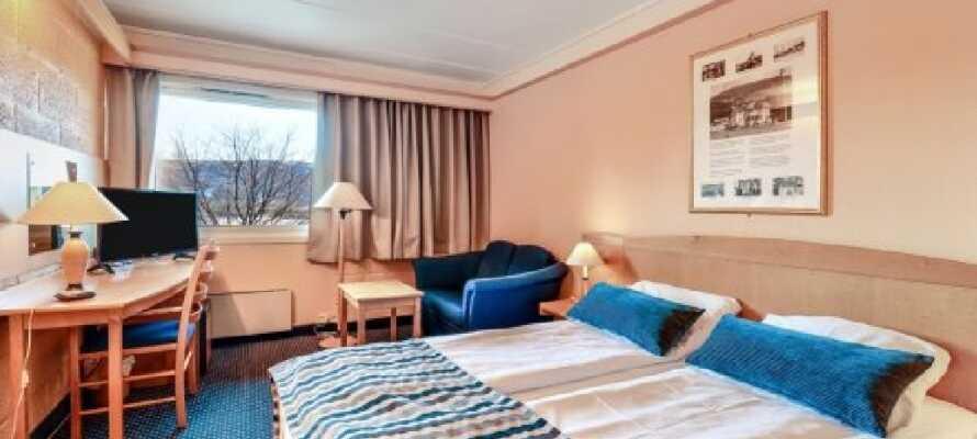 Bo komfortabelt på hotellets lyse soverom i Vrådal