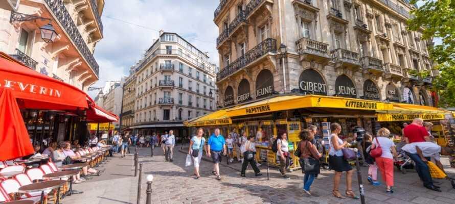 Besøg det gamle Sorbonne universitet, grønne områder og nogle af de bedste restauranter i byen i Latinerkvarteret.