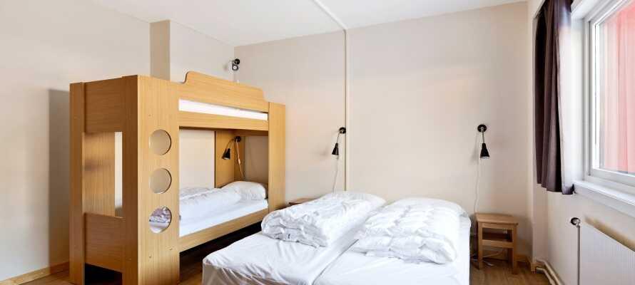 Lejlighederne er indrettet med op til to soveværelser med komfortable dobbeltsenge og køjesenge.