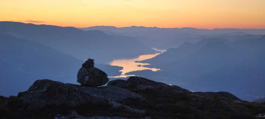 Udforsk det smukke område omkring Venelifjell, få kilometer uden for Vrådal, perfekt til vandre- og cykelture.