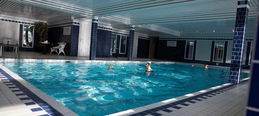 I kan frit benytte den indendørs pool på Quality Straand Hotel.