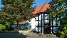 Hotellet ser tilbage på en lang tradition hvor Dammermann familien i mere end 245 år har budt gæster velkommen