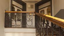 Pensionatet ligger i en charmerende historisk bygning på Parkveien midt i Oslo.