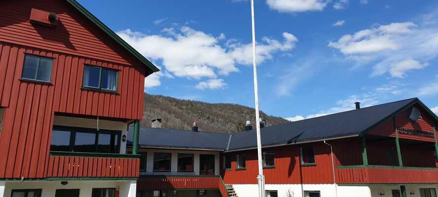 Hotellet drives av to familier som deler ønsket om å skape en behagelig ferieopplevelse for gjester fra fjern og nær.