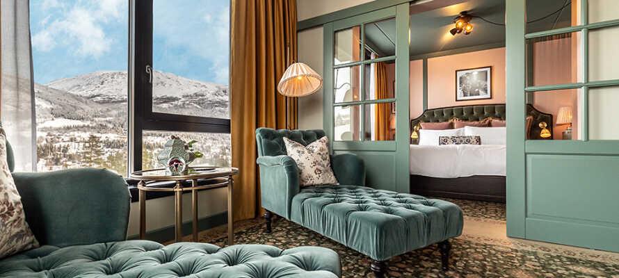 I bor på flotte og rummelige værelser, som alle er udstyret med komfortable senge.