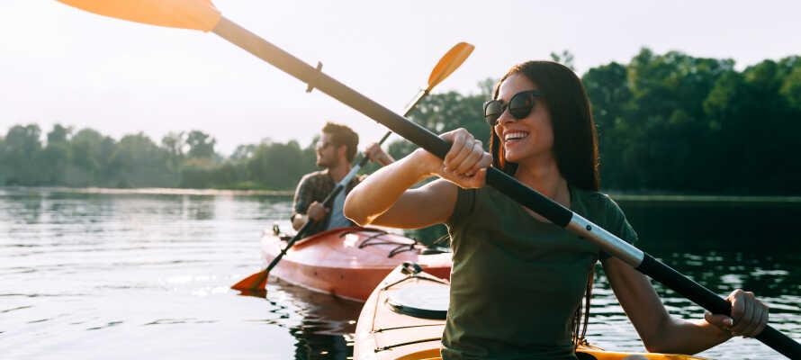Hemsedals natur byder på masser af muligheder for aktiviteter året rundt, hvad enten I er til ski, langrend, kajak eller vandre- og cykelture.