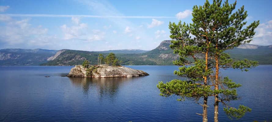 Sæt en dag af til en bådtur og sejl på søerne Nisser og Vråvatn.