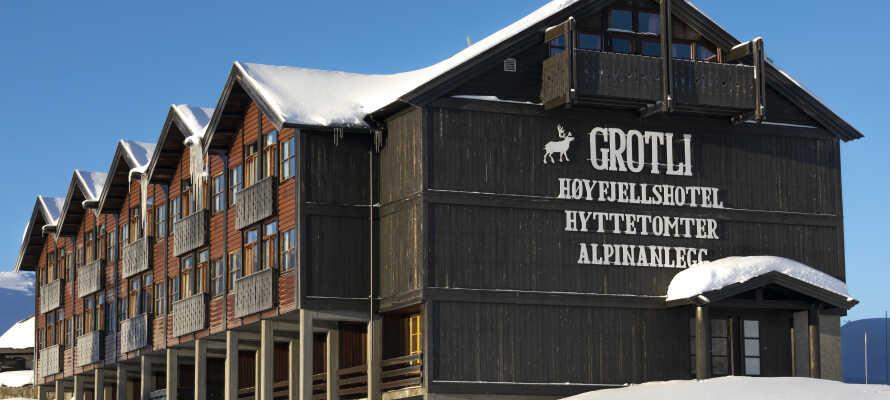 Hotellet ligger midt i Fjellheimen, 925 meter over havets overflade, og tilbyder alletiders base for en herlig skiferie.