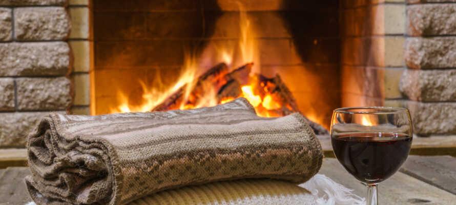Nyd den hyggelige og varme atmosfære på hotellet, som er indrettet med interiør i træ, som et typisk norsk bjerghotel.