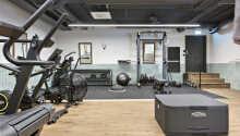 Opholdet inkluderer fri adgang til hotellets fitnessrum og sauna.
