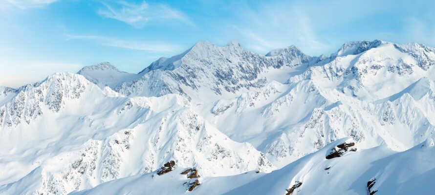 Hotellet har en rolig placering i den maleriske alperegion, Tyrol.
